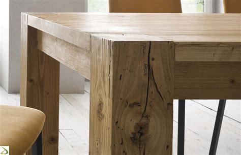 mobili moderni in legno tavolo in legno massello arredo design