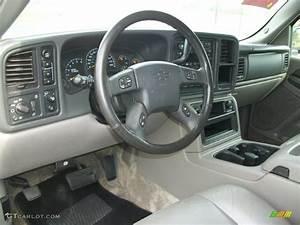 2003 Chevrolet Suburban 1500 Z71 4x4 Gray  Dark Charcoal Dashboard Photo  71466764