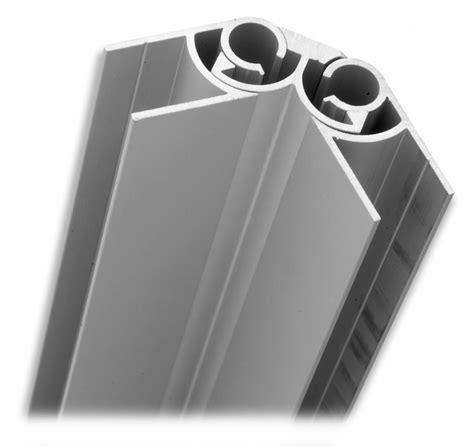 plinthe aluminium cuisine agencement de meuble plinthe aluminium
