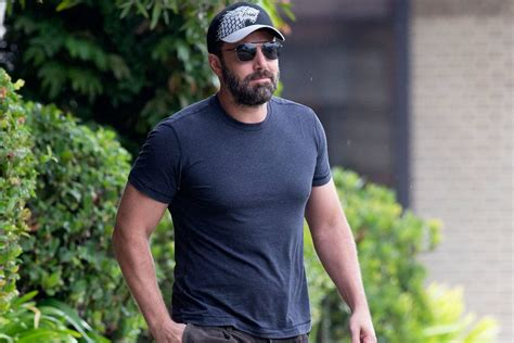 5 Handsome Ben Affleck Beard Styles to Brush Up Your Look