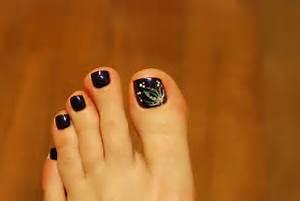Black nail polish foot colour design