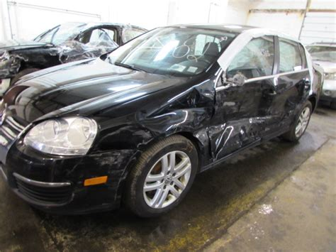 Parting Out 2010 Volkswagen Jetta