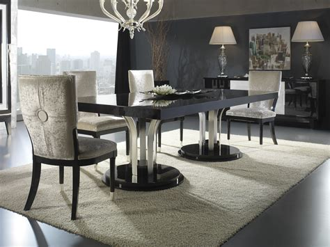 European Style Luxury Carved Bedroom Set Classic Interior