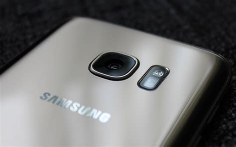 samsung  beat apple  dual lens smartphone cameras