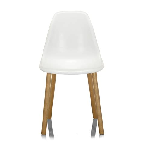 chaise blanche et bois chaise blanche avec piétement en bois design scandinave