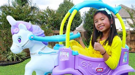 Wendy Pretend Play With Unicorn Princess Carriage Rideon