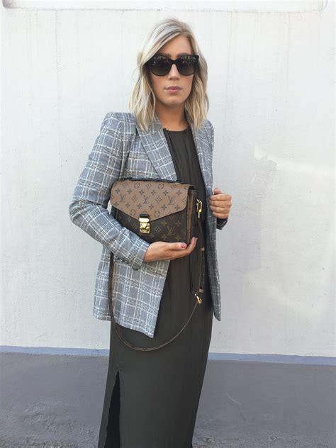 louis vuitton pochette metis reverse zara blazer slik maxi dress gucci sunglasses outfit fashion