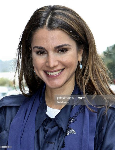 Queen Rania Al Abdullah Queen Of Jordan Pays A Surprise Visit To News Photo Getty Images