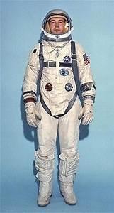 Gemini space suit - Wikipedia