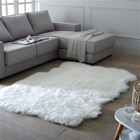 tapis pour chambre de b les 25 meilleures idées de la catégorie tapis de fourrure