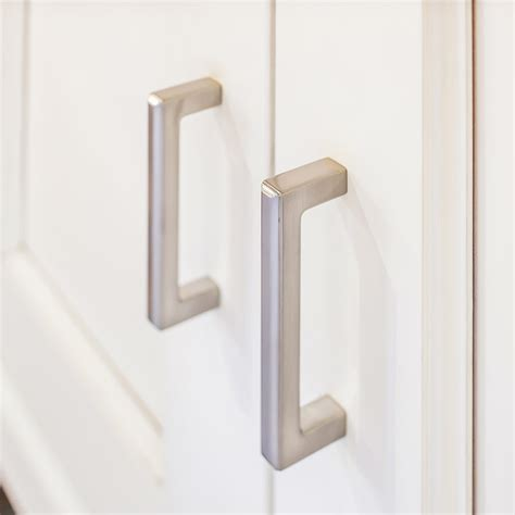 top knobs cabinet pulls knobs4less com offers top knobs top 209298 handle brushed