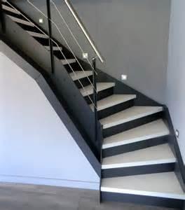 Escaliers Peints En Noir by Escalier Peint En Noir Et Blanc Dootdadoo Com Id 233 Es De