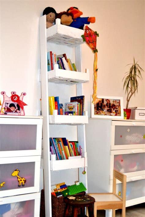 Bücherregal Aus Obstkisten by Aus Obstkisten Ein B 252 Cherregal F 252 R Die Kinder Bauen