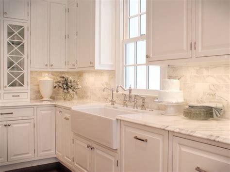 backsplash ideas for white kitchen 1000 ideas about white kitchen backsplash on