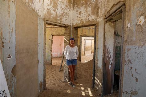 namibia sandige strassen und die verlassene siedlung