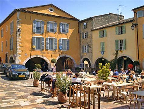 cuisine et salle a manger villa provenale valbonne