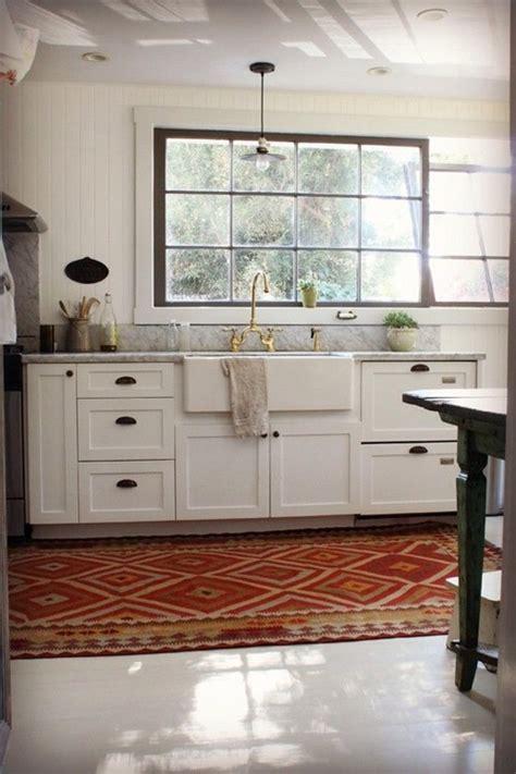 kitchen  upper cabinets backsplash idea