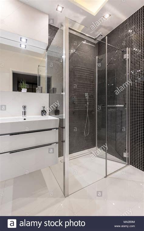 stock di piastrelle piastrelle doccia ispirazione per la casa