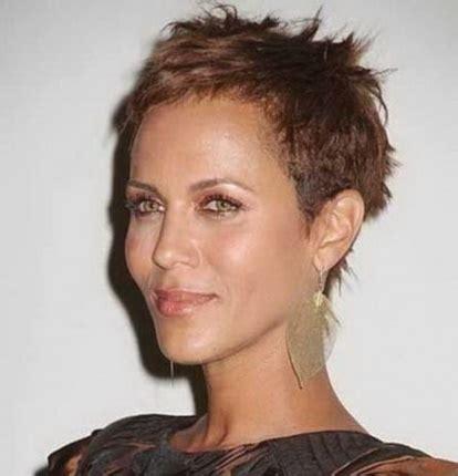 coupe cheveux tres court coiffure tres courte femme 2018