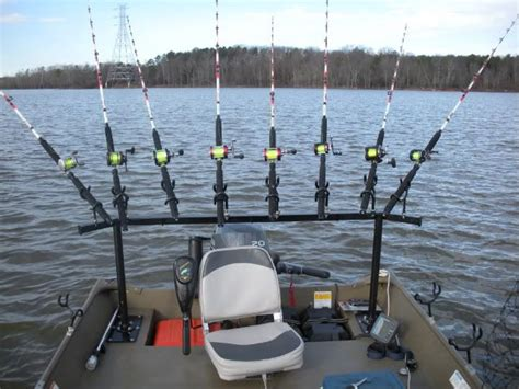 Best Rod Holders For Pontoon Boats by Best 25 Rod Holders For Boats Ideas On