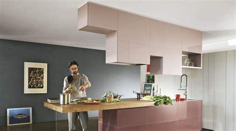 bar ilot cuisine cuisine aménagée meuble haut suspendu placard haut