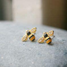 images  honey bees  pinterest honey bee