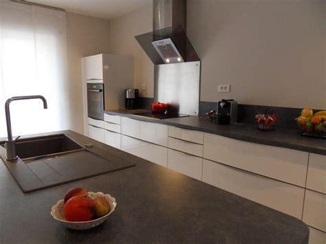 cuisine grise plan de travail blanc davaus cuisine blanche avec plan de travail gris avec des idées intéressantes pour la