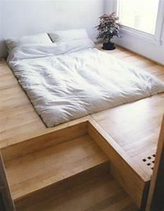 Bett Auf Podest : schlafzimmer ideen lassen sie ihren schlafraum ger umiger erscheinen ~ Sanjose-hotels-ca.com Haus und Dekorationen