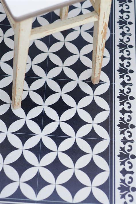 coup de cœur pour les tapis vinyl imitation carreaux de ciment de chez fleux d 233 coration et