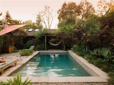 Bungalows And Swimming Pool