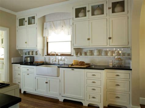 cuisine blanche et inox cuisine blanche et inox idées et astuces en 90 photos