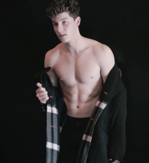 imagen relacionada shawn mendes shawn mendes shirtless