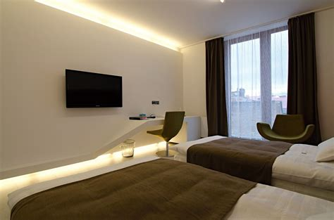 Tv In Bedroom Design Ideas by Mount Tv On Wall Ideas Mounted Flat Screen Decorating Tv