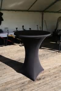 tafel en stoelen verhuur roosendaal feestmeubilair huren statafels biertafels loungesets en