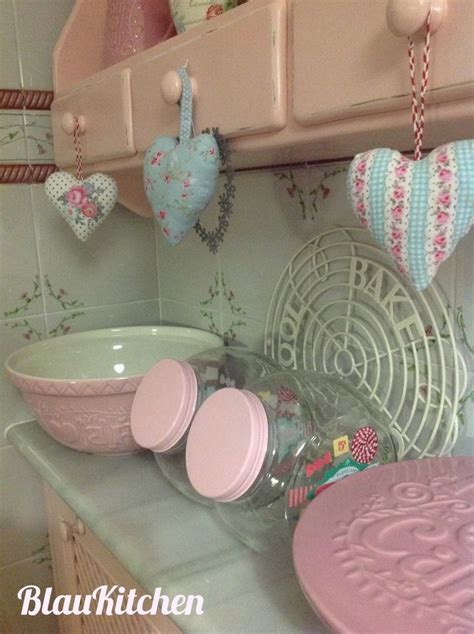 shabby chic pink paint pink kitchen blaukitchen s kitchens pinterest jars shabby and paint