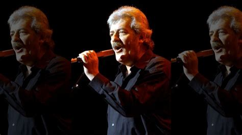 Moody Blues Singer Ray Thomas Dies Before Hall Of Fame