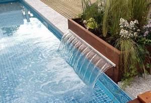 piscine lame d39eau margelle granit jardin et piscines With jardin et piscine design 1 dallage et margelle ambiance contemporaine espaces