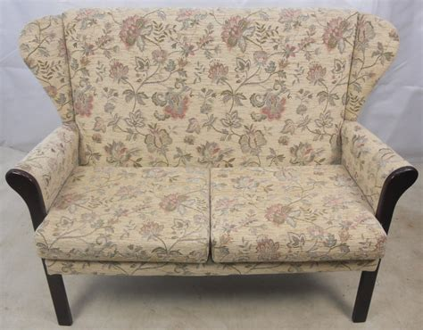 Wing Back Settee by Settee Two Seater Wing Back Cottage Style Sofa Settee Ebay