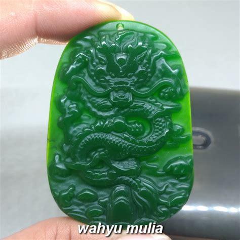 kalung batu giok hijau ukir naga asli kode 1006 wahyu mulia