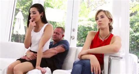 Padre e hija follando porno Madre E Hija Follan Papa