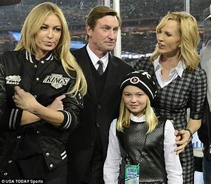 Wayne Gretzky and family lead parade of stars flocking to ...