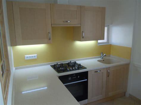 cuisine intégré plan de travail en quartz pour cuisine plan de travail en