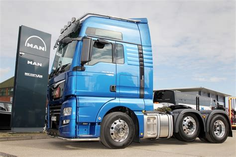 man truck bus deliver  performanceline  logistics