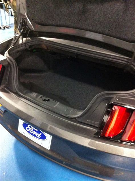 ford mustang convertible trunk photo   mustang convertible advanced drop top