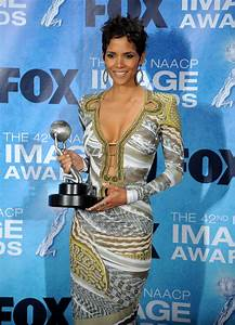 halle berry 42nd naacp image awards