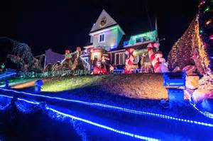 dyker heights lights 2017 guide and how to get there