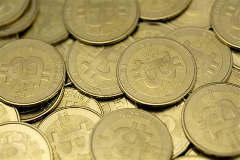 money to bitcoin bitcoin vs gold which does better in a crisis vocativ