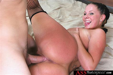 Gianna Michaels Fucking In The Bedroom With Her Natural Tits