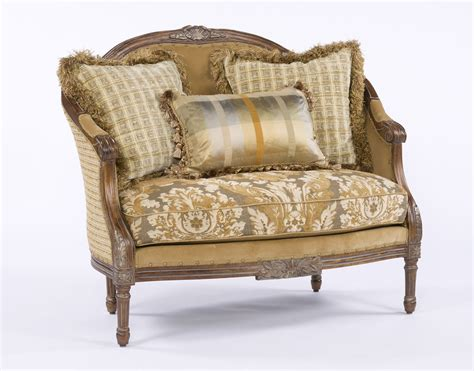 Style Settee by Style Settee