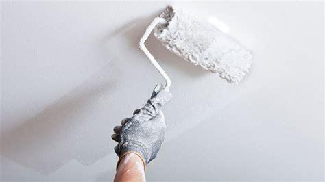 comment commencer a peindre un plafond